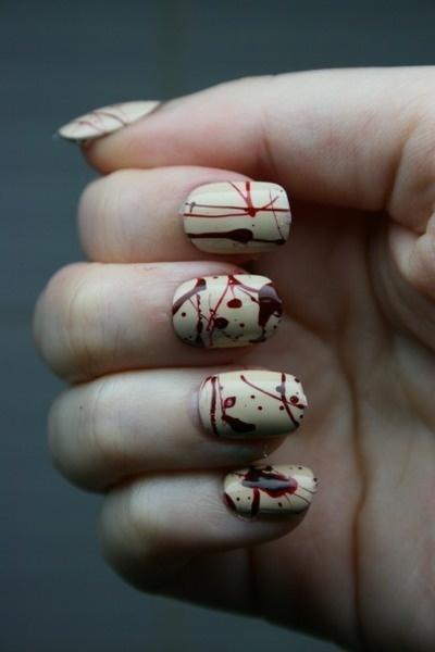 кървав маникюр