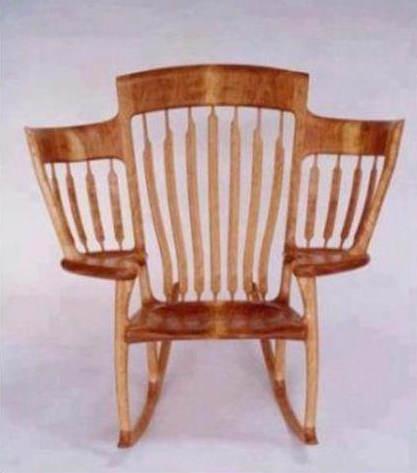 интересен стол